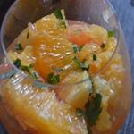 Salade aux agrumes Laisser macérer dans la menthe