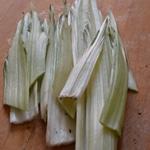 Côtes de bette à la béchamel Effeuiller les côtes de bette