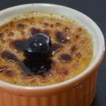 Crème brulée aux cerises confites