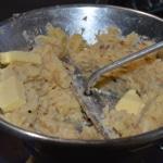 Purée de céleri et noisettes Mouliner avec un peu de beurre