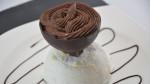Sphère de meringue et chocolat