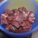 Civet de biche Couper la viande