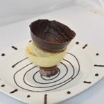 Poire belle hélène Poser la sphère chocolat noir