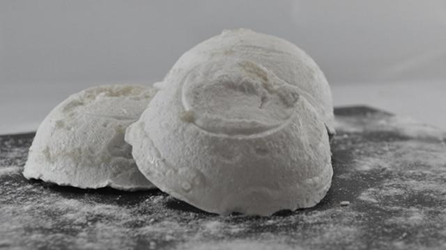 Sphère meringue Terminer
