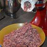 Terrine de marcassin aux cranberries Hacher la viande