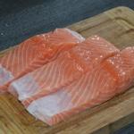 Blanquette de saumon Trancher le saumon