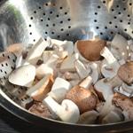 Fricassée de champignons Couper les champignons