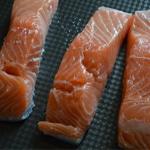 Saumon et chorizo Essuyer le saumon