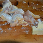 Poulet au vin jaune Découper le poulet