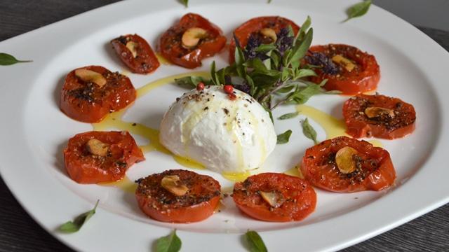 Salade de tomates confites