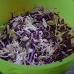 Salade de chou rouge Mélanger les choux