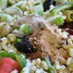 Salade de coquillettes Ajouter les épices