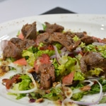 Salade de gésiers et oignon rouge Poser les gésiers
