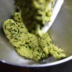 Tagliatelles au persil Préparer la pâte