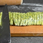 Tagliatelles au persil Couper au couteau