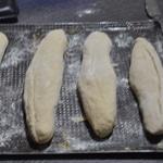 Pains Viennois Allonger les pains et laisser pousser