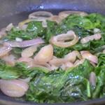 Tagliatelles au jambon cru Cuire les épinards