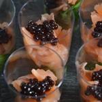 Verrine de saumon fumé et mâche Ajouter les perles de balsamique