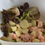 Salade saumon et pomme de terre Mélanger les ingrédients