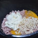 Chausson au jambon Mélanger les deux ingrédients