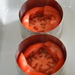 Tomates farcies revisitées Ajouter les tomates tranchées