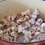 Côte de porc aux champignons Saisir les champignons