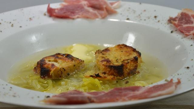 Soupe de poireaux et jambon cru