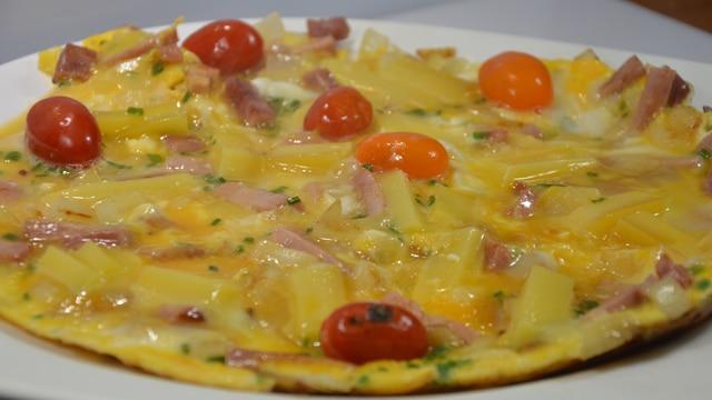 Omelette aux oignons et jambon