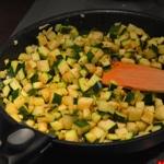 Salade de pois chiche à la courgette Saisir les courgettes