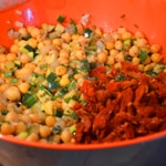 Salade de pois chiche à la courgette Ajouter les tomates