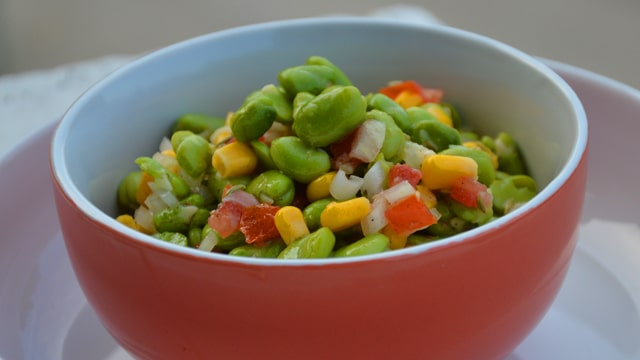 <span class='p-name'>Salade de fèves</span>
