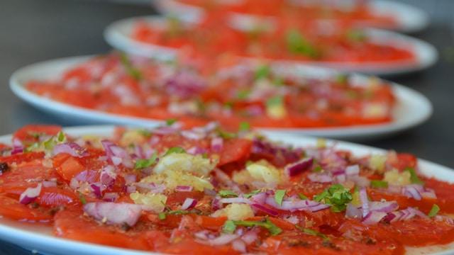 <span class='p-name'>Tomates et oignon rouge</span>